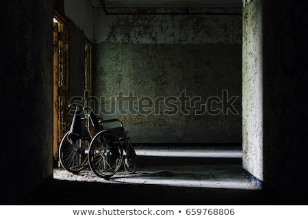 Opuszczony szpitala korytarzu wieczór słońce domu Zdjęcia stock © unkreatives