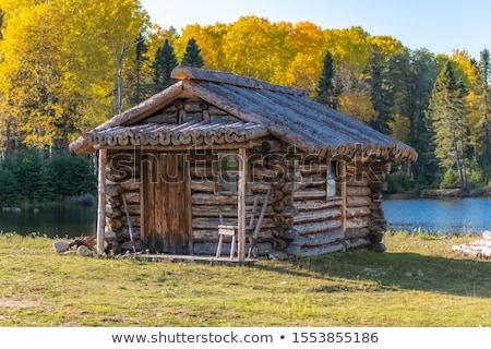 Houten hut bergen najaar landschap dag Stockfoto © Kotenko