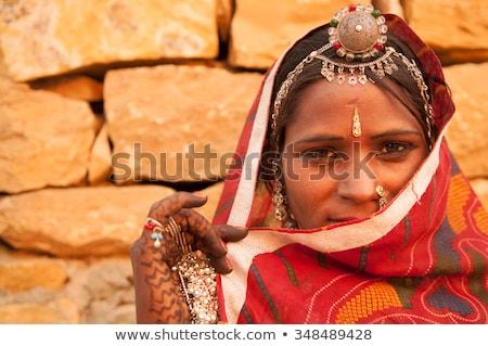 Titkolózás fiatal lány indiai ruha portré félvér Stock fotó © szefei