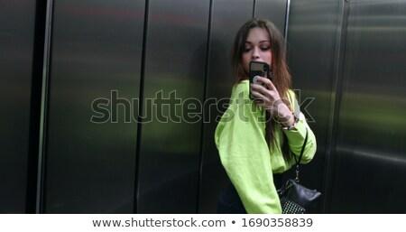 aranyos · fiatal · nő · boldog · telefon · portré · fiatal · lány - stock fotó © jossdiim