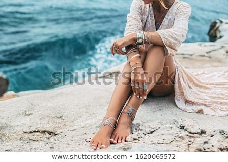 vrouw · ketting · blond · lang · vals - stockfoto © choreograph