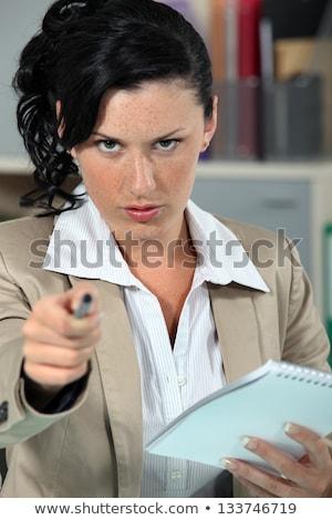 Popa mulher indicação caneta escritório trabalhar Foto stock © photography33