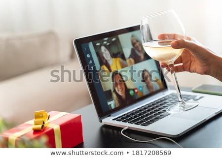 女性の笑顔 · 電話 · ワイングラス · 実例 · フォーマット · eps - ストックフォト © yuriytsirkunov