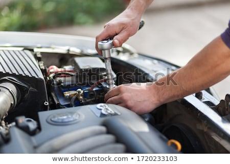 Mistrz naprawa samochodów usługi młodych brodaty pracowników Zdjęcia stock © pressmaster