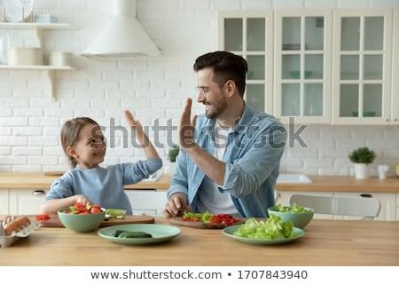 Férfi főzés edények szakács hobbi szabadidő Stock fotó © robuart