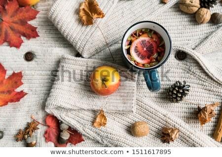 Olgun elma kupa sıcak bitkisel çaylar limon Stok fotoğraf © pressmaster