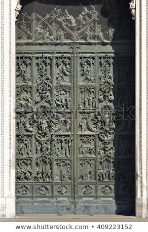 Milánó katedrális ajtó Milánó Olaszország dedikált Stock fotó © vwalakte