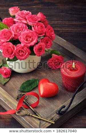 Pembe güller tuşları antika altın yaprakları Stok fotoğraf © blackmoon979