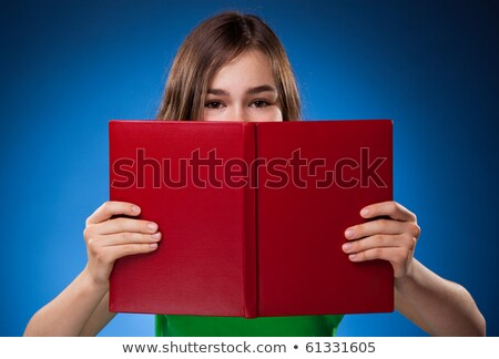 Menina 14 leitura sofá aprendizagem inglaterra Foto stock © IS2