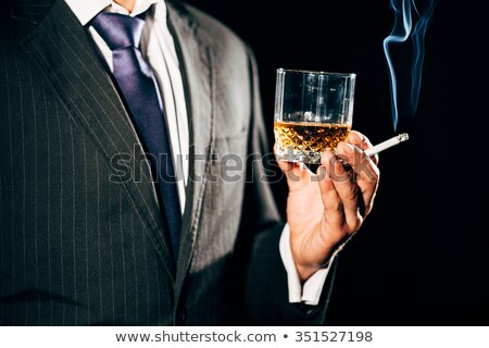 jeden · szkła · whisky · cygara · dymu - zdjęcia stock © kzenon