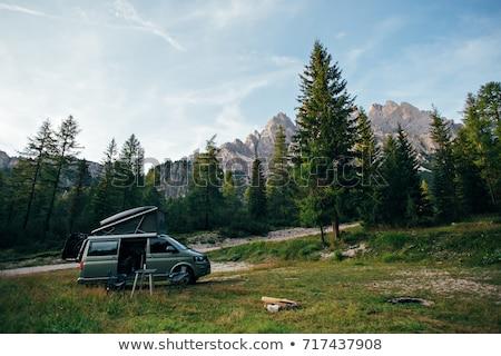путешественник · автомобилей · готовый · Летние · каникулы · природы · красный - Сток-фото © makyzz