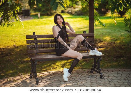 nyár · báj · lány · fekete · zokni · napszemüveg - stock fotó © fotoduki