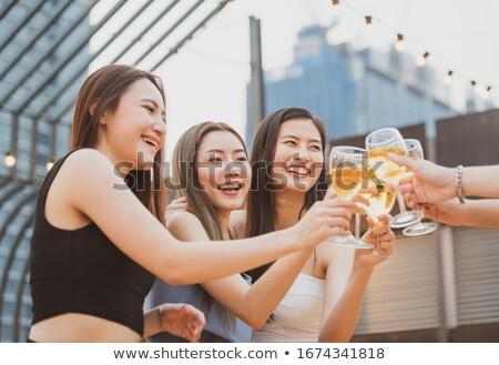 Picnic vino jóvenes rubio mujer Foto stock © dehooks