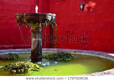 Biały kolonialny kościoła fontanna Święty mikołaj budynku Zdjęcia stock © jkraft5