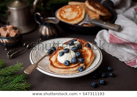 americano · panquecas · mirtilos · bordo · xarope · comida - foto stock © digifoodstock