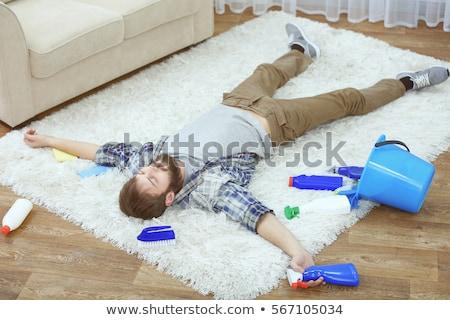 Hombre limpieza muebles aerosol botella feliz Foto stock © AndreyPopov
