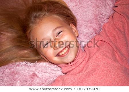 portré · vonzó · szőke · lány · rózsaszín · felső - stock fotó © fotoduki