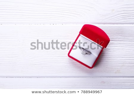Groot briljant diamant geschenkdoos vak Rood Stockfoto © zybr78