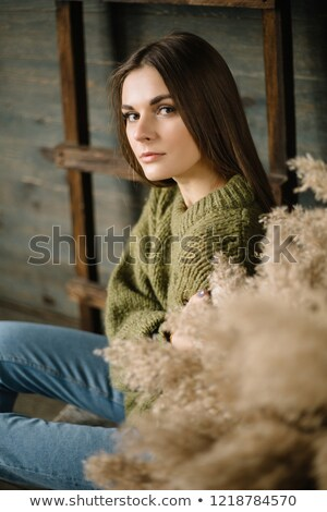 Brunette femme posant blanche échelle dame Photo stock © majdansky