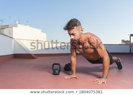 güçlü · vücut · geliştirmeci · basın · yukarı · beyaz · seksi - stok fotoğraf © wavebreak_media
