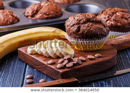 Smakelijk chocolade banaan muffins donkere houten tafel Stockfoto © Melnyk