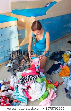 Gyönyörű tinilány rendetlen ruházat hálószoba család Stock fotó © Len44ik