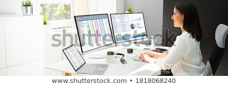 Analityk pracownika pracy arkusz kalkulacyjny komputera działalności Zdjęcia stock © AndreyPopov