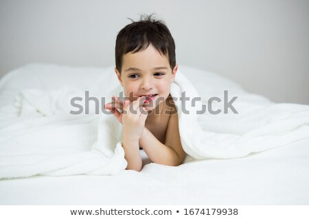 Lelkes gyermek élvezi izolált háttér fiatal Stock fotó © stockyimages