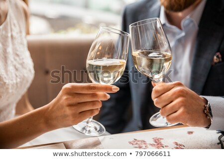 カップル · 飲料 · シャンパン · 祝う · 1泊 · 幸せ - ストックフォト © photography33