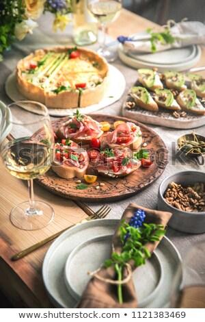 Délicieux préparé décoré alimentaire table restaurant Photo stock © zurijeta