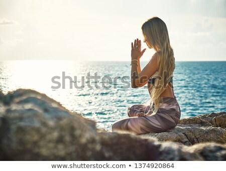 女性 瞑想 ヨガのポーズ 海 表示 ビーチ ストックフォト © blasbike