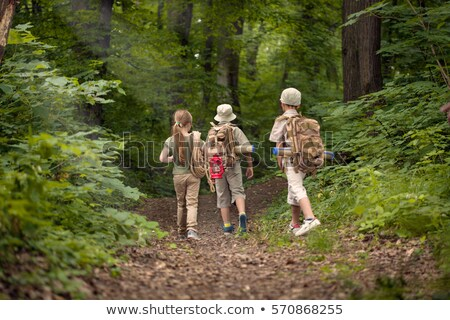 Jongen meisje verkenner camping bos illustratie Stockfoto © bluering