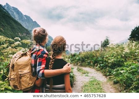 kinderen · meisje · wandelen · berg · vader · trui - stockfoto © andreypopov