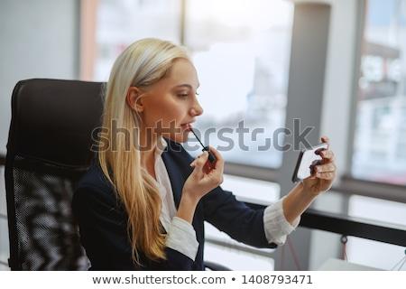 魅力のある女性 適用 口紅 暗い 目 赤い口紅 ストックフォト © AndreyPopov