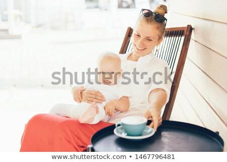 Risonho mulher de manhã cedo café mulher jovem Foto stock © dash
