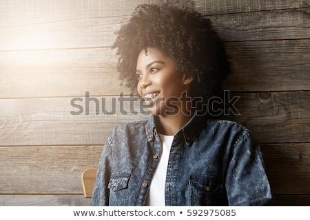 счастливым случайный женщину фигурные скобки улыбаясь сидят Сток-фото © feedough