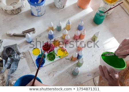 pittura · preparazione · rosso · pennello · secchio · di · vernice · legno - foto d'archivio © wavebreak_media