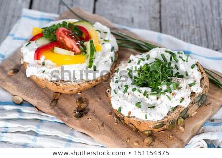 Delicioso crema queso cebollino hortalizas fondo Foto stock © joannawnuk