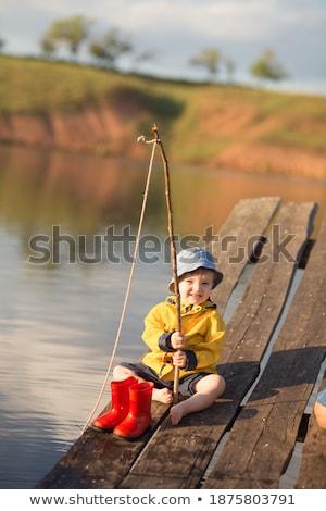aranyos · fiatal · srác · apa · halászat · tó · dokk - stock fotó © feverpitch