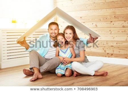 Foto stock: Família · casa · céu · menina · mão · feliz
