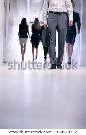 zakenman · zakenvrouw · lopen · beneden · kantoor - stockfoto © monkey_business