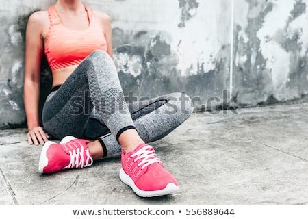 vrouw · strand · slank · meisje · permanente · Maakt · een · reservekopie - stockfoto © dash
