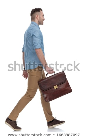 Widok z boku spaceru smart przypadkowy człowiek Zdjęcia stock © feedough