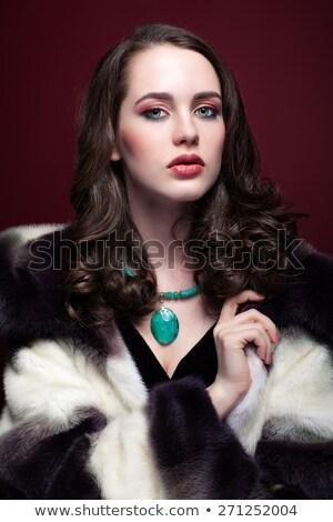 genç · esmer · kız · uzun · kıvırcık · saçlı · güzellik - stok fotoğraf © victoria_andreas
