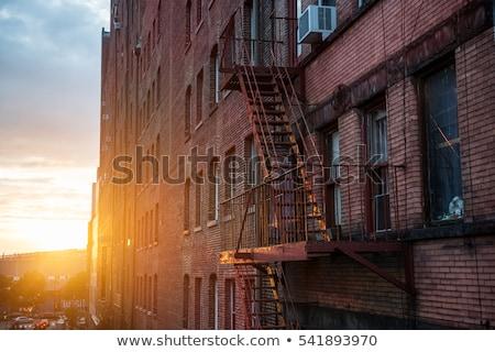 火災 脱出 はしご 古い レンガ アパート ストックフォト © alexeys