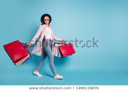 nő · sétál · ki · butik · divat · jókedv - stock fotó © is2