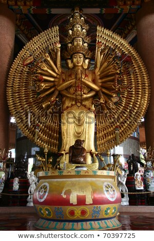 Gouden duizend handen Bangkok vrede standbeeld Stockfoto © pinkblue