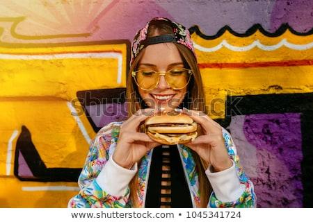 сэндвич рук уличной еды женщину продовольствие снега Сток-фото © Karpenkovdenis