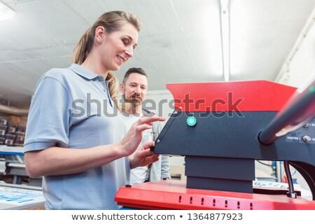 Pracowników tshirt wydruku ostatni Zdjęcia stock © Kzenon