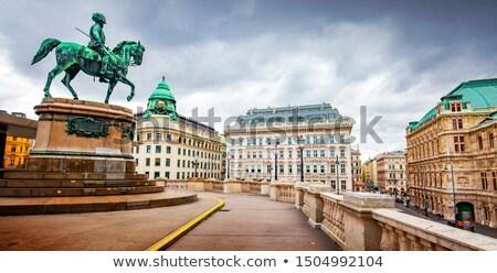 Vienna Opera statua città Foto d'archivio © LianeM